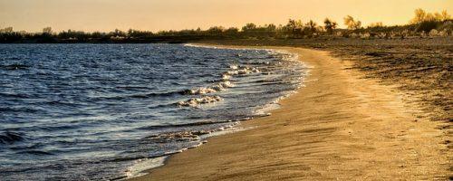 beach-2851875_640